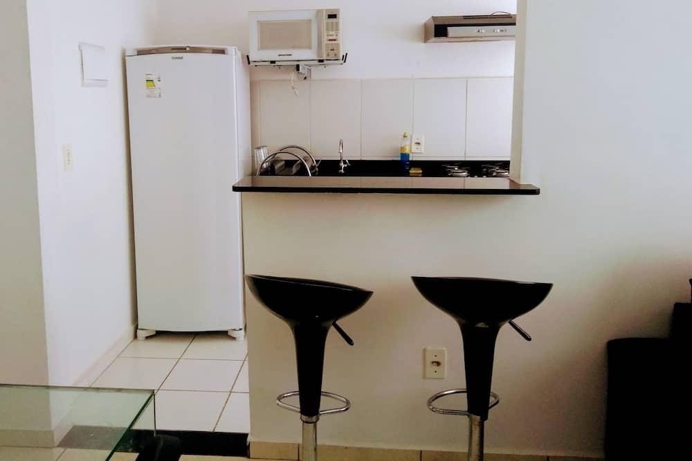 Basic Apartment, Smoking - In-Room Dining