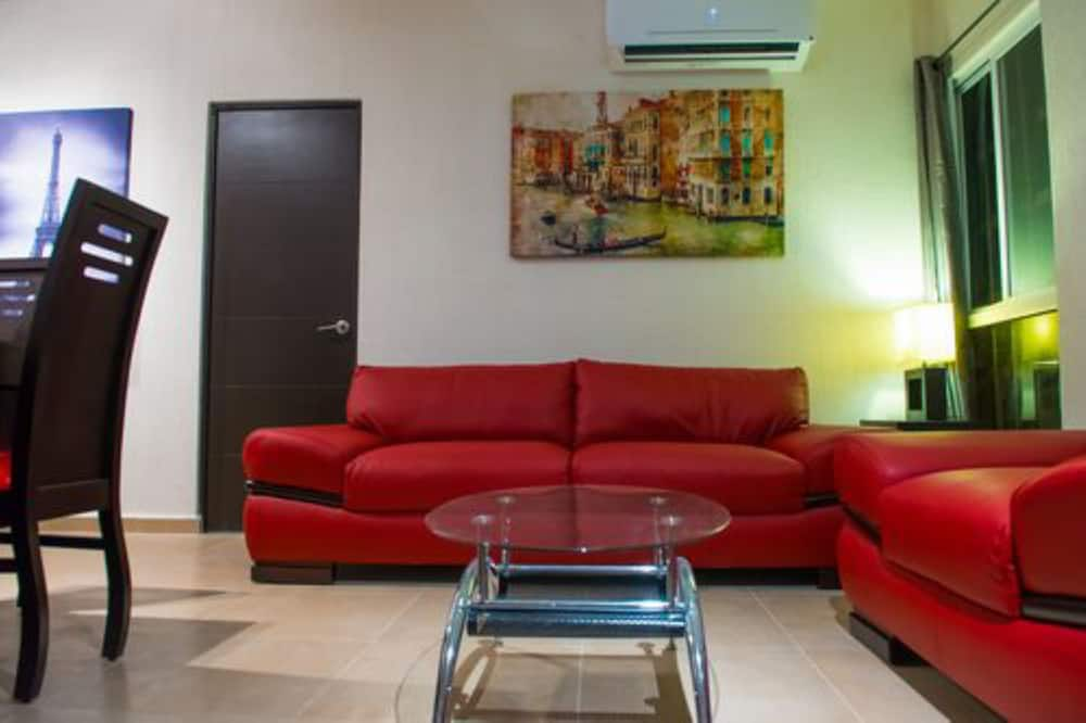 Apartment, Multiple Beds, Non Smoking - Living Area