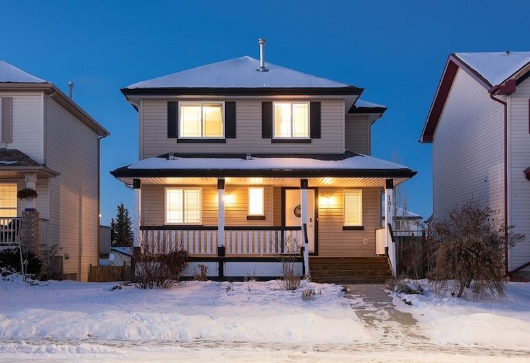 4 Bedroom Guest Suite, Calgary