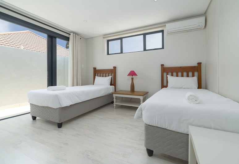 Bickley Terraces 1- Adults Only, Cape Town, Premier Apartment, Multiple Beds, Non Smoking, Room