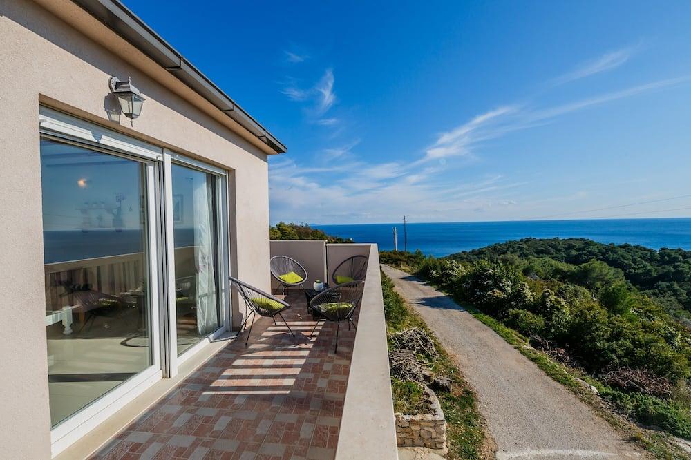 Villa Luana with amazing sea views