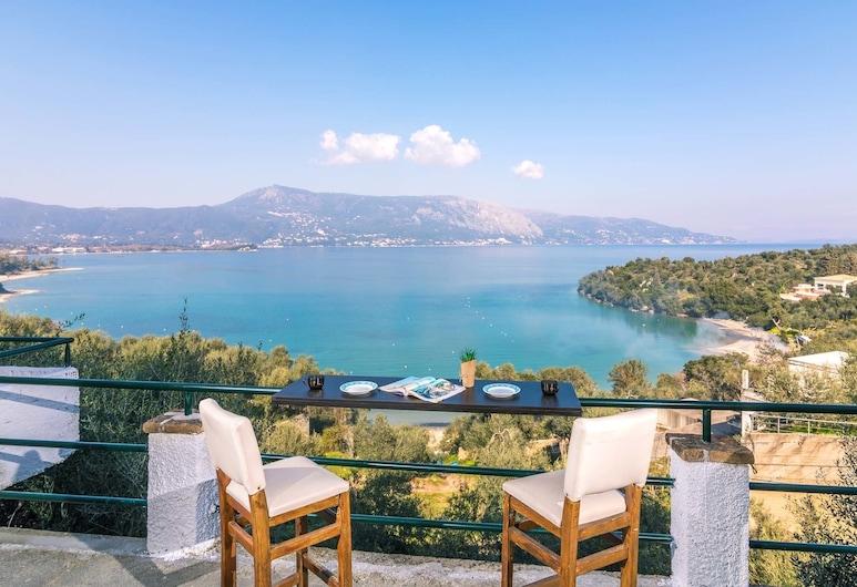 康奈克科梅諾海濱開放式公寓酒店, 科孚島