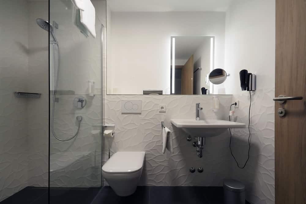 Dvoulůžkový pokoj, dvojlůžko, nekuřácký - Koupelna