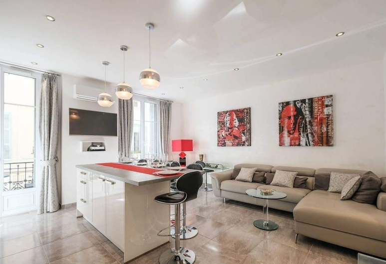 Two Bedroom Hoche, Cannes