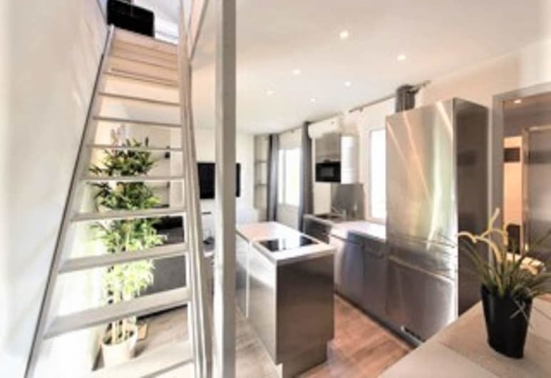 Station One Bedroom Apartment, Cannes, Innanhúss