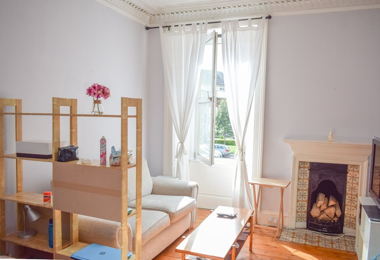Bright 1 Bedroom Apartment in Edinburgh, เอดินเบิร์ก