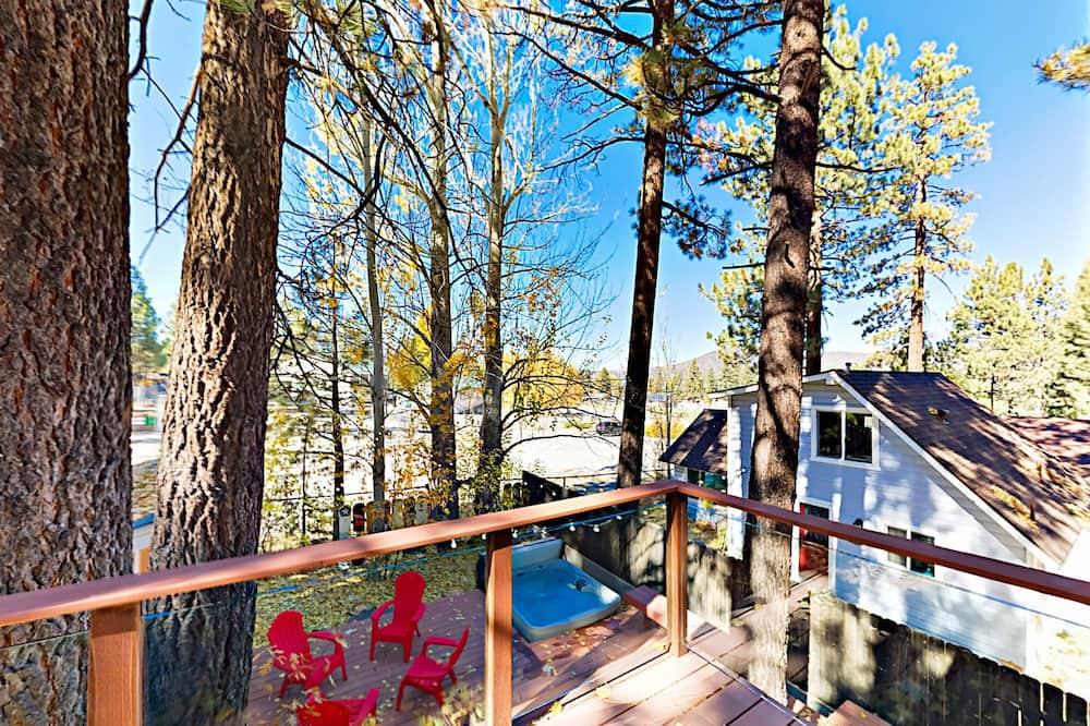 Māja, trīs guļamistabas - Balkons