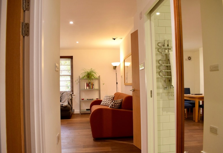 Charming 2 Bedroom Apartment in Kentish Town, London, Wohnzimmer