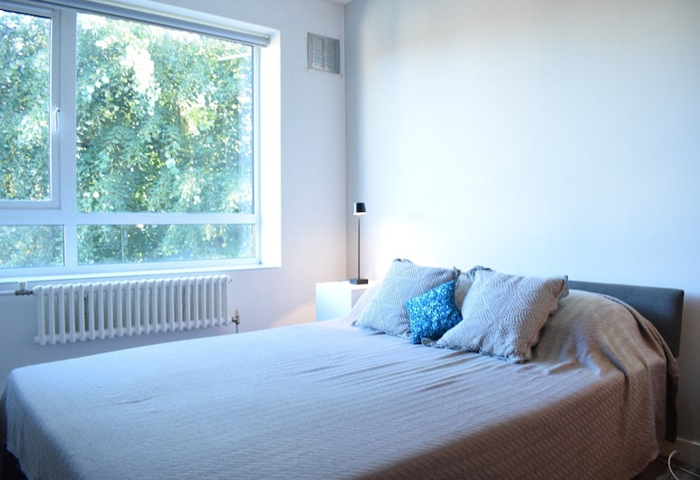 Chelsea 1 Bedroom Apartment, London, Room