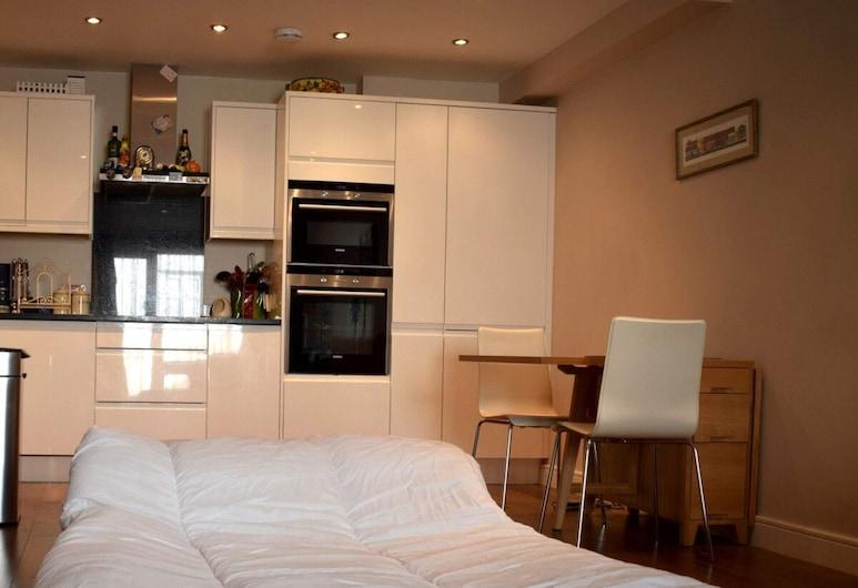 Cosy Studio Apartment in Angel, Лондон