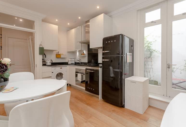 Modern 1 Bedroom Flat in Highbury, London, Omaette köök