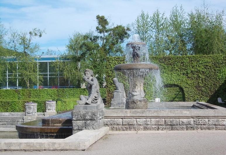 Haus Monterosa, Baden-Baden, Property Grounds