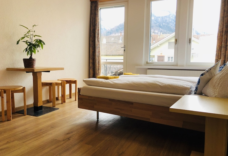 central beauty scenery apartment, Interlaken, Basic-Apartment, 1 Schlafzimmer, Zimmer