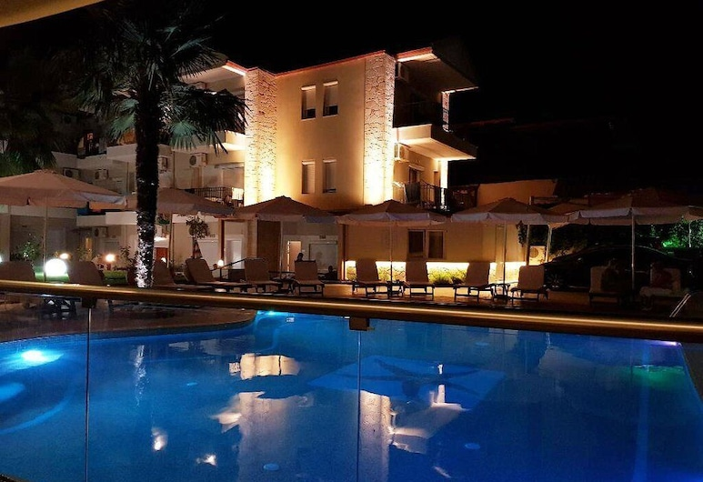 Olympia Hotel, Kassandra, Basen