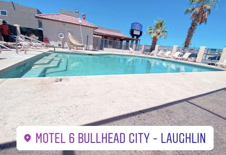 Motel 6 Bullhead City, AZ, Bullhead City, Alberca al aire libre