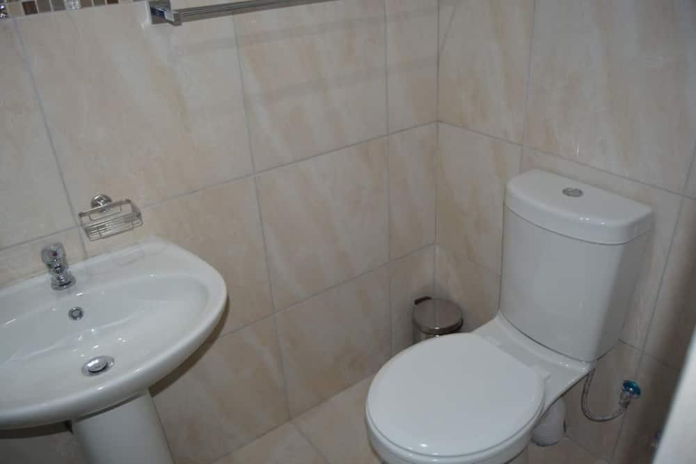 Room (11) - Bathroom