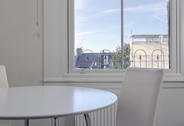 Modern 2 Bedroom Apartment Near Queens Park, London, Lõõgastumisala