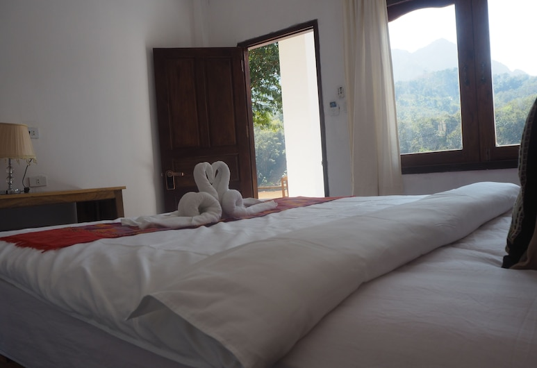Nam Ou View Villa, נונג קיאו, Superior Double Room with Air-con, נוף מחדר האורחים