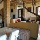Villa, 2 Bedrooms, 2 Bathrooms (Oliviera) - Ruang Tamu