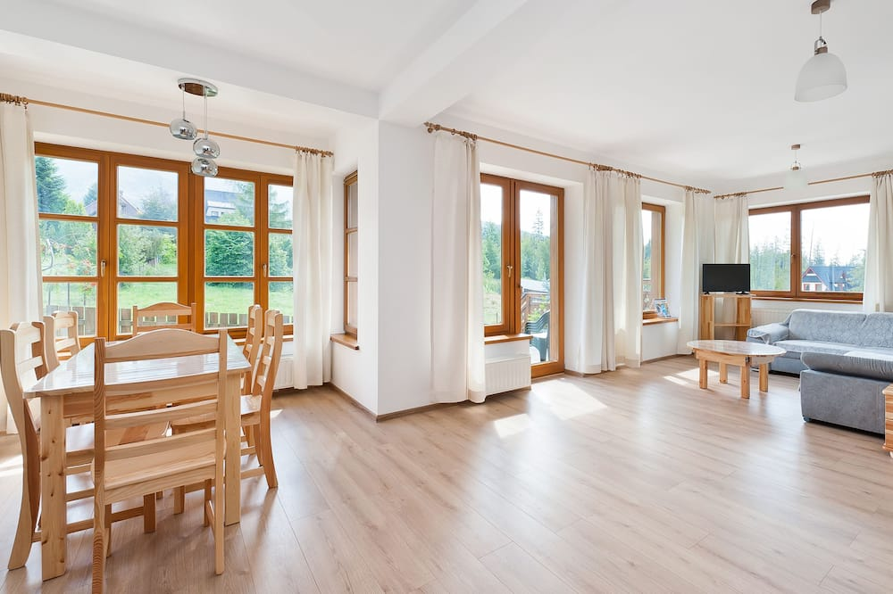 Apartment (J1) - Living Room