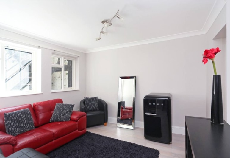 Modern 1 Bedroom Apartment in Bayswater, London