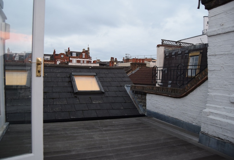Home With Roof Terrace Hampstead Village, London, Balkon