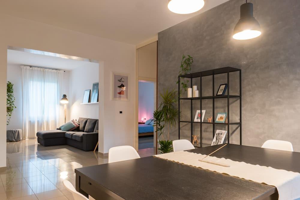 Elite Apartment, 2 Bedrooms - Living Room
