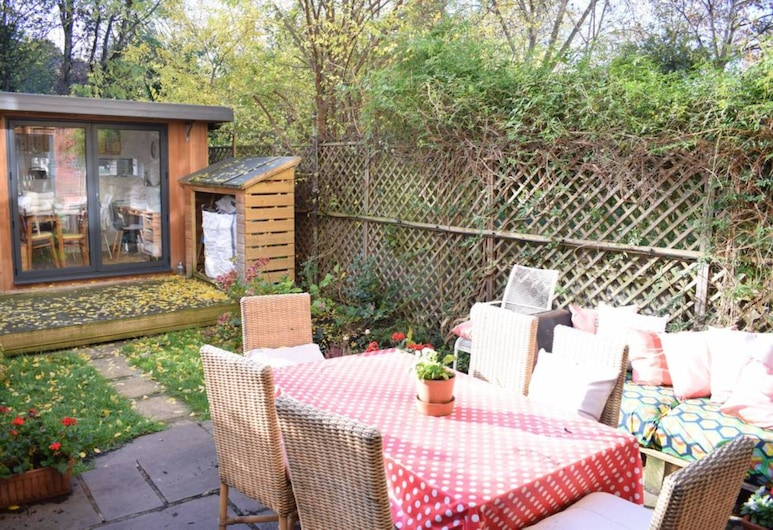 3 Bedroom House With Garden in Brixton, Londra, Balkon