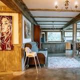 Grand Chalet - Living Room