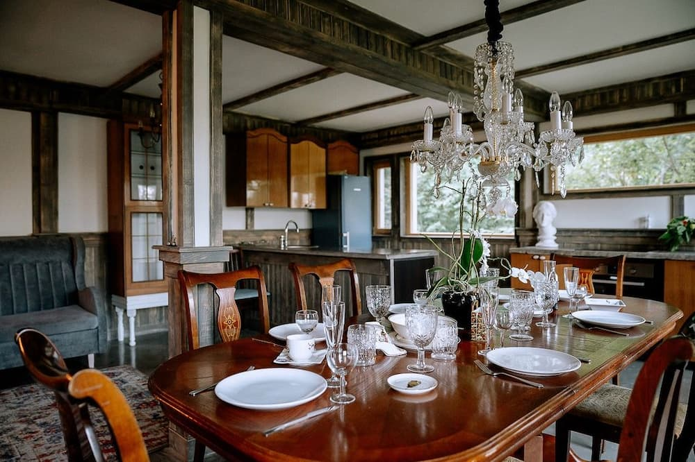 Grand Chalet - In-Room Dining