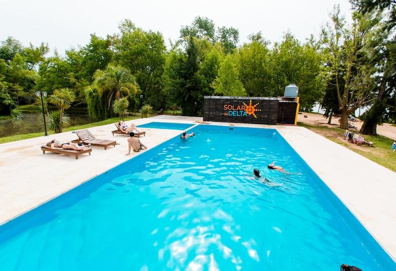 سولار ديل دلتا , Partido de Tigre, حمّام سباحة خارجي