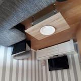 Apartment Woodpecker