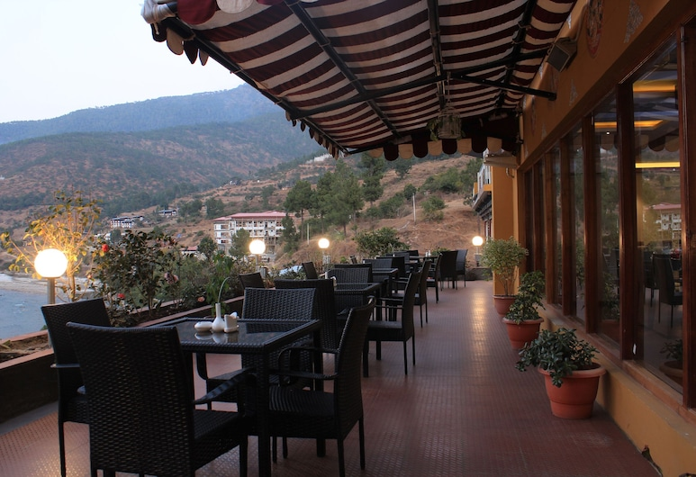 The Four Boutique Hotel, Punakha, Terraza o patio