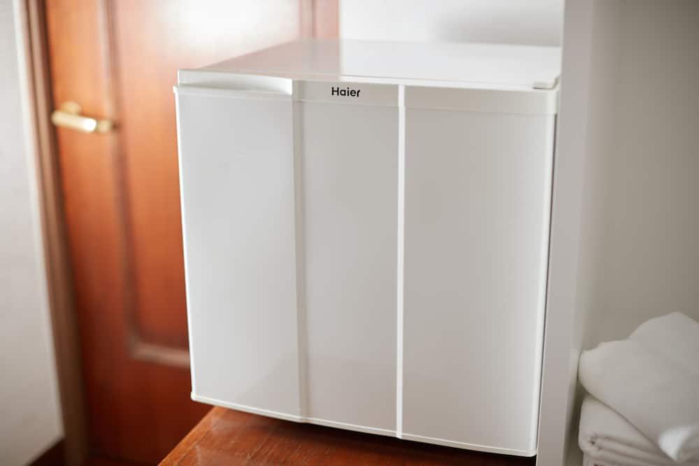 Standard Triple Room, 3 Twin Beds, Non Smoking - Mini Refrigerator