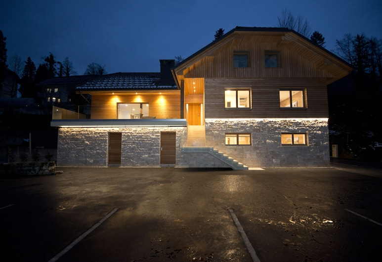 Vila Alpina, Bled, Hotel Front – Evening/Night
