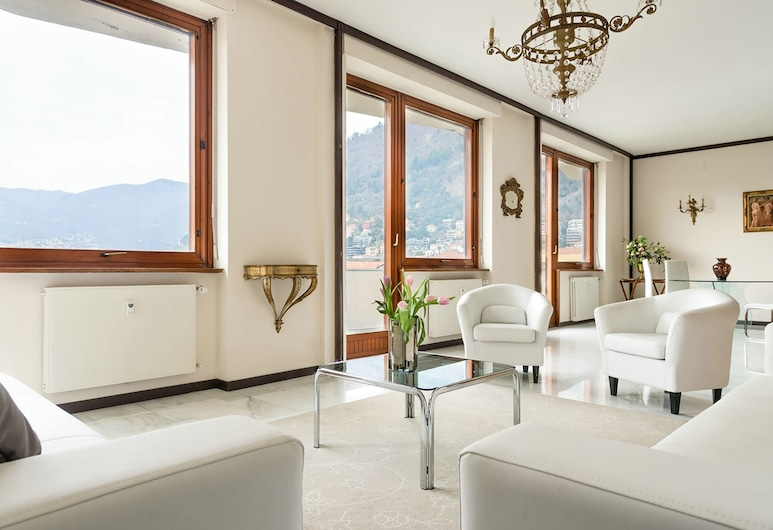 Piazza Cavour Lake View, Como, Apartment, 3 Bedrooms, Living Area