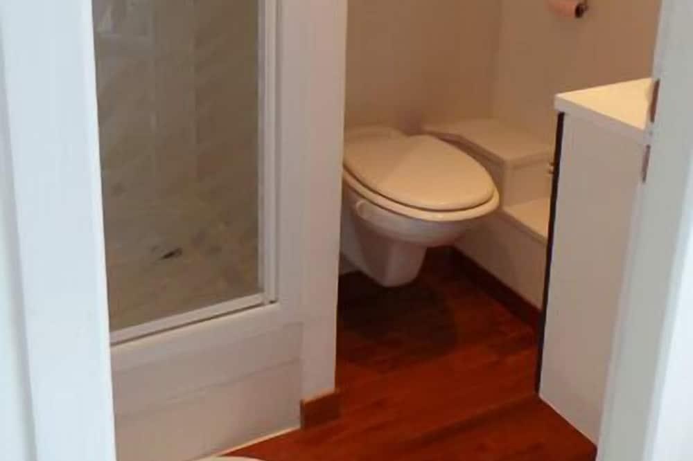 Double Room (Iriska) - Bathroom