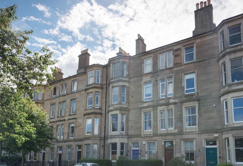 Beautiful City Center 2 Bed Apartment with Park View, Edinburgh, Otelin ön cephesi