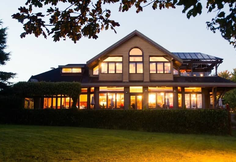 Spinnakers Brewpub & Guesthouses, Victoria