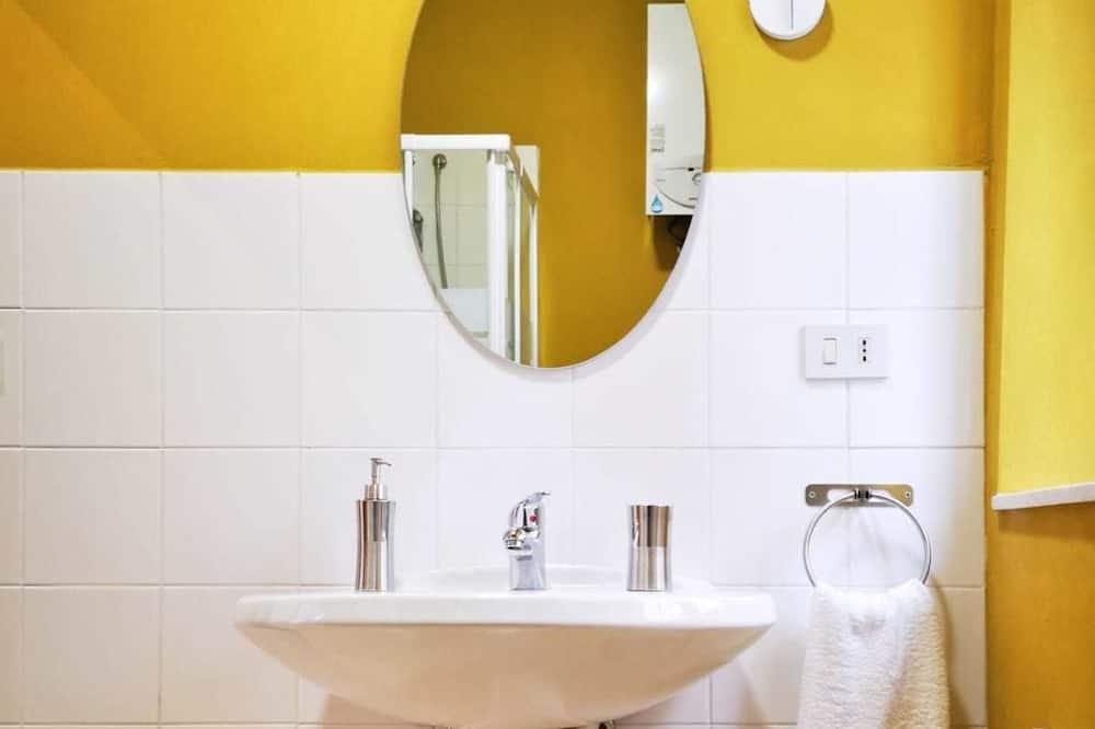 Classic-Dreibettzimmer, Stadtblick (Ciambra) - Badezimmer