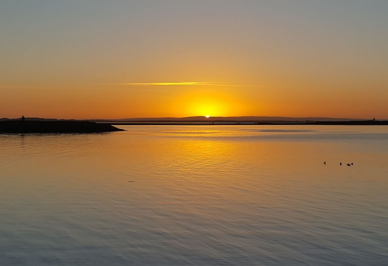 Swuite Galway, Galway, Beach