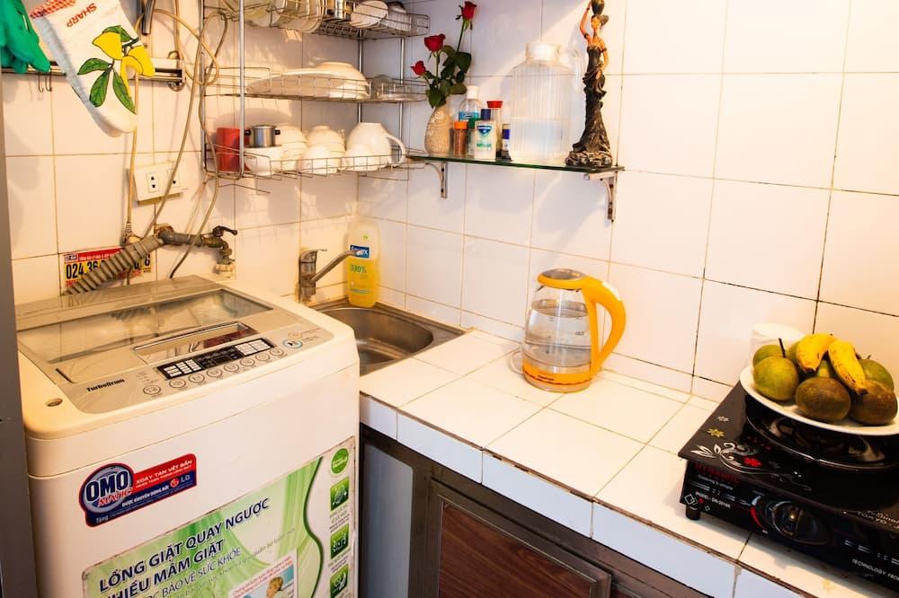 Bed in 6-Bunk Bed Female Dorm - Ortak mutfak