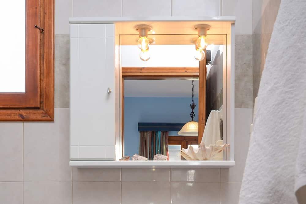 Studio, 1 Double Bed, Garden View - Bathroom