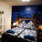 Studio (London) - Room