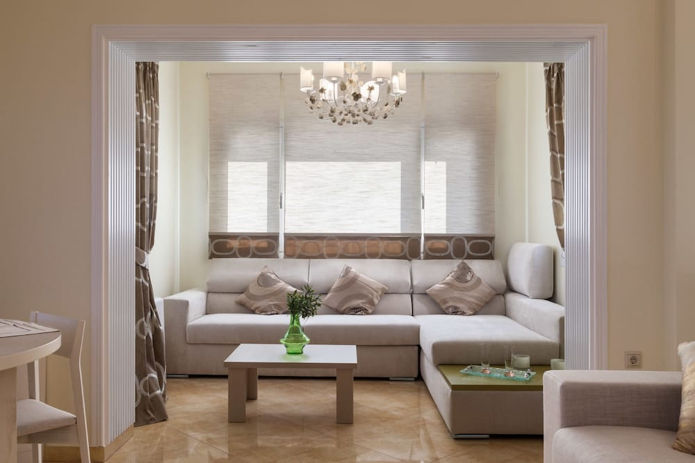 Luxury Suite (Nefeli) - Living Room