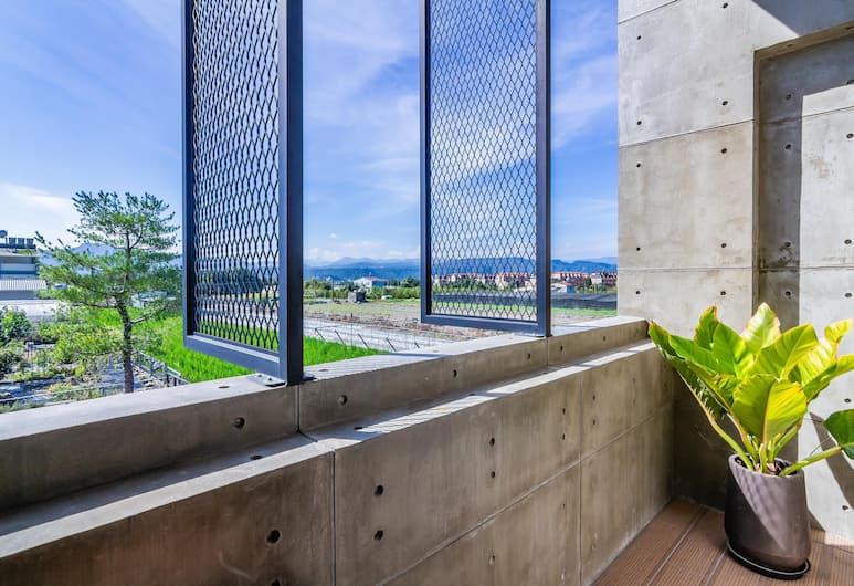 匠 ‧ 藝宿 Takumi Inn 私人住宅, 埔里鎮, 舒適雙人房, 1 張加大雙人床, 陽台, 山景, 客房