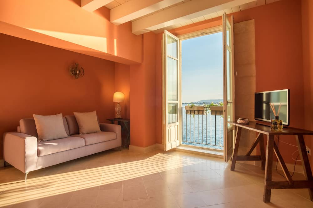 Deluxe Apartment (Alfeo) - Living Area