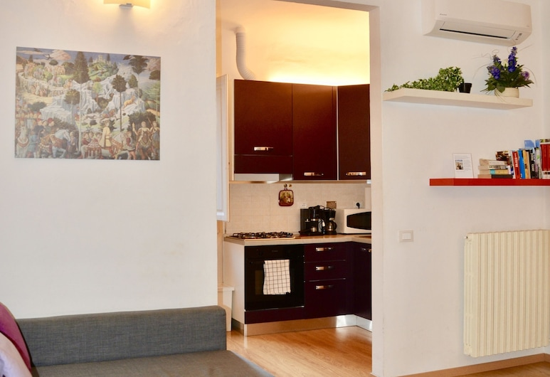 Santa Maria Novella Apartment, Florence, Apartment, 1 Bedroom, Living Area
