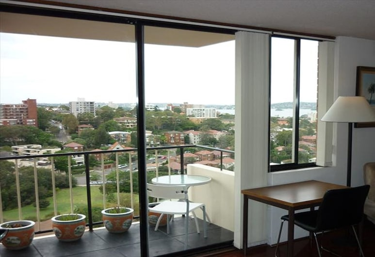 Cosy One Bedroom Apartment with Harbour Views - WY704, Neutral Bay, Apartment, 1 Bedroom, View from room