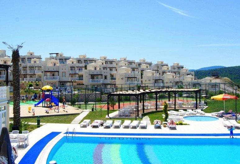 1 Bedroom Apartment Lake View 3 by Likya Global, Milas, Kolam Renang Luar Ruangan